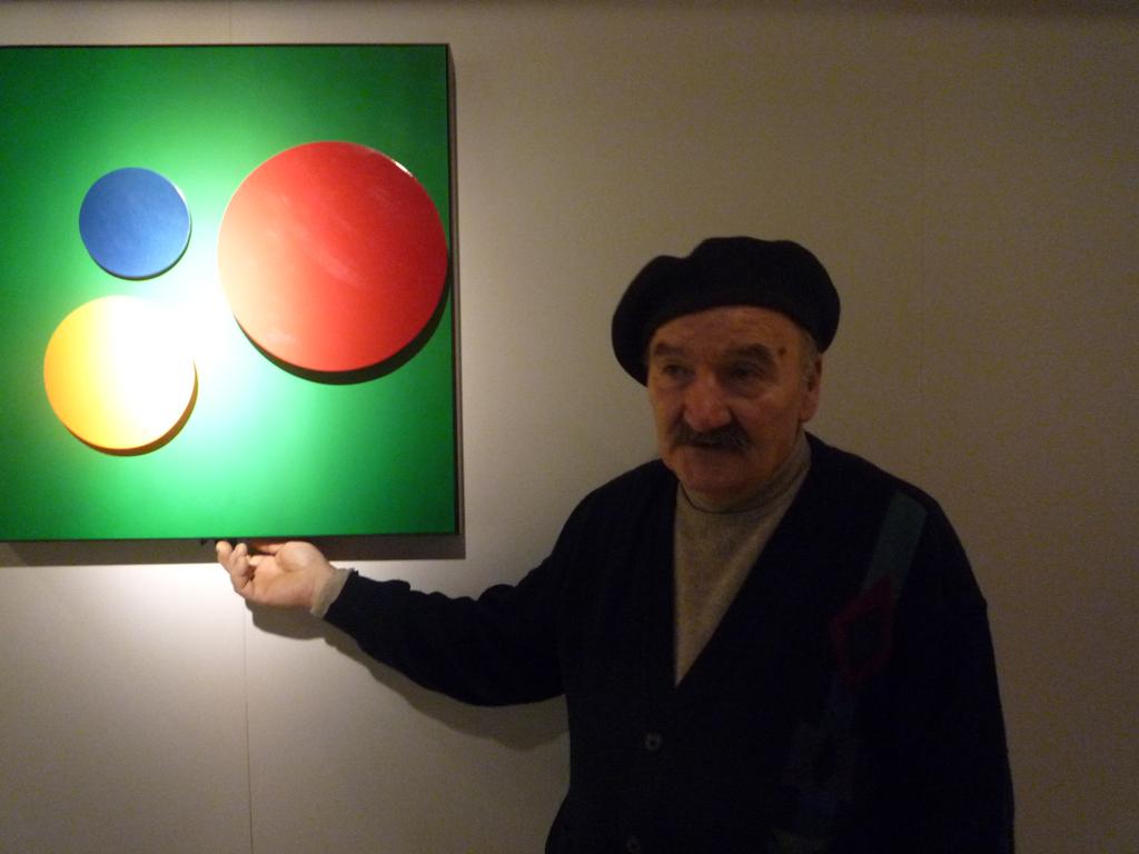 L'artista Angelo Brescianini