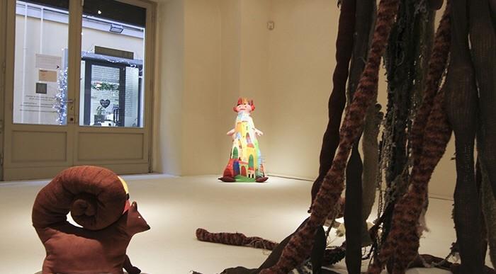 Gli Orfani di Sandra Tomboloni alla Galleria Vannucci di Pistoia