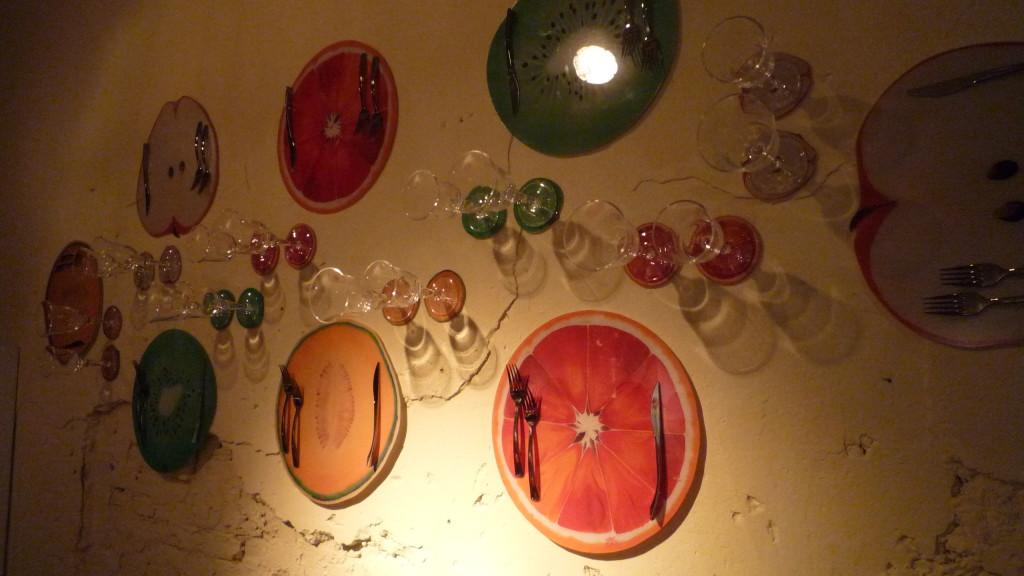 22 Taste Parete allestita con le opere di Marina Calamai