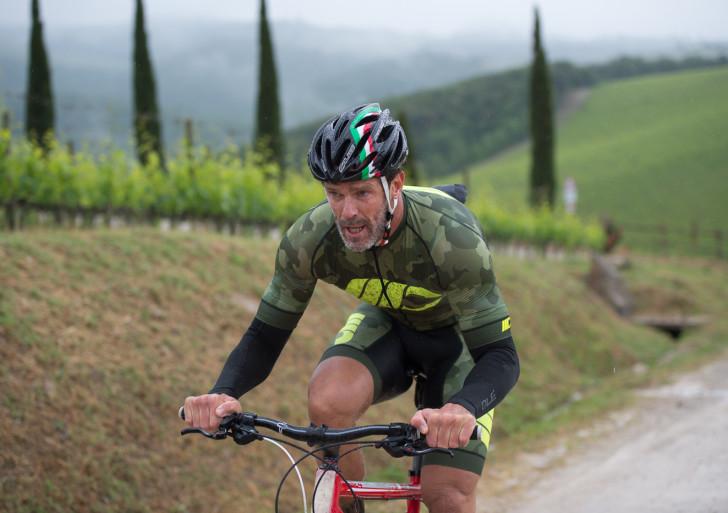 In mountain bike tra le colline del Chianti Classico