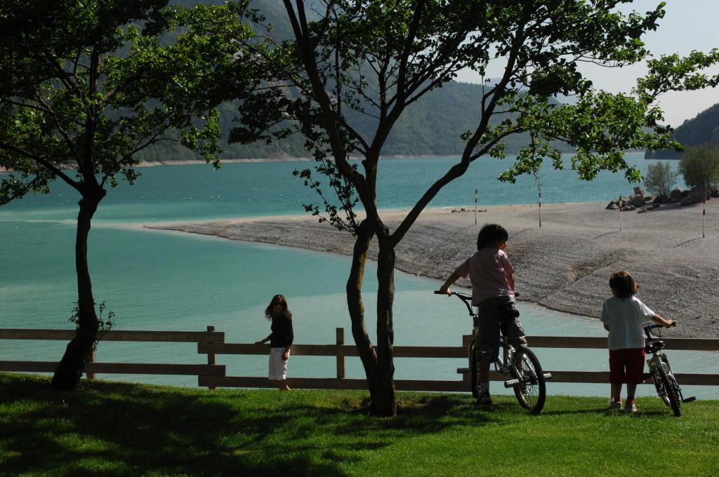 Bambini bici lago Molveno
