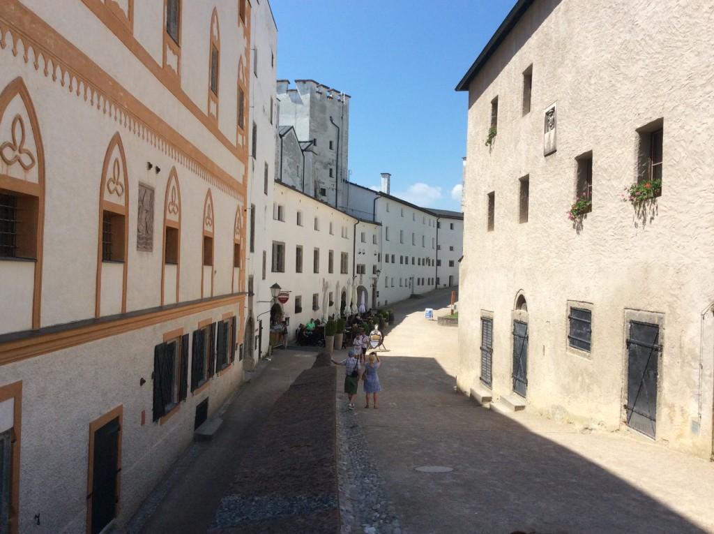 strada dentro la Fortezza