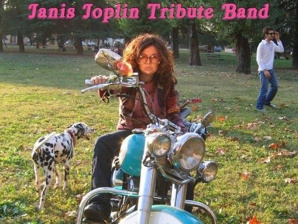 Tara Degl'Innocenti con I The Rose al Nof in tributo live a Janis Joplin