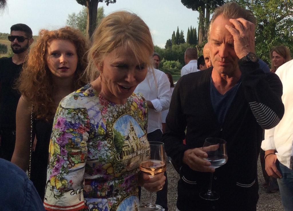 Sting e Trudie salutano gli ospiti