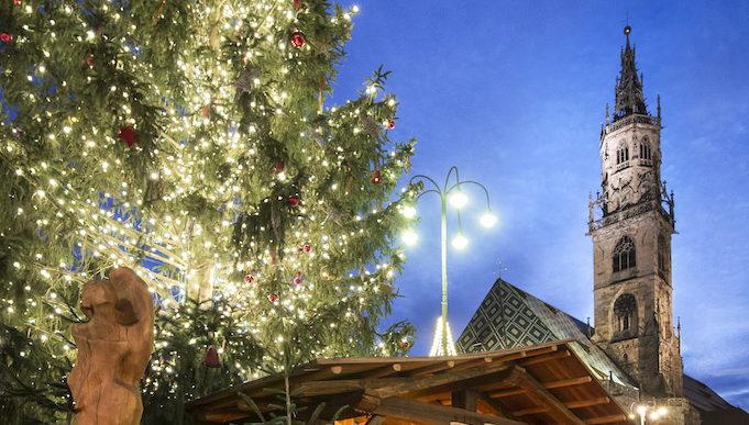 A Bolzano il Mercatino di Natale tra artigianato e piatti tipici dal 23 novembre